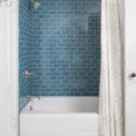 Акцентная стена в интерьере ванной - фото (3)
