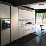 Дизайн кухни в стиле хай-тек - фото (30)