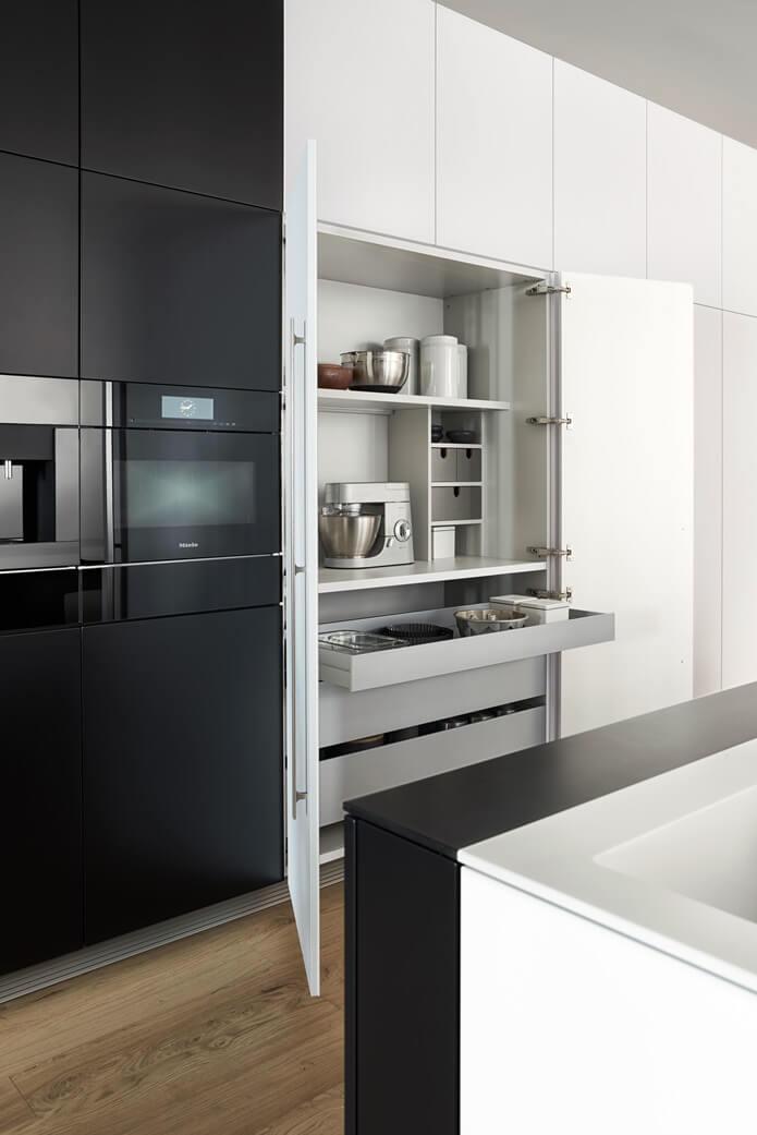 Кухонные фасады в стиле хай-тек