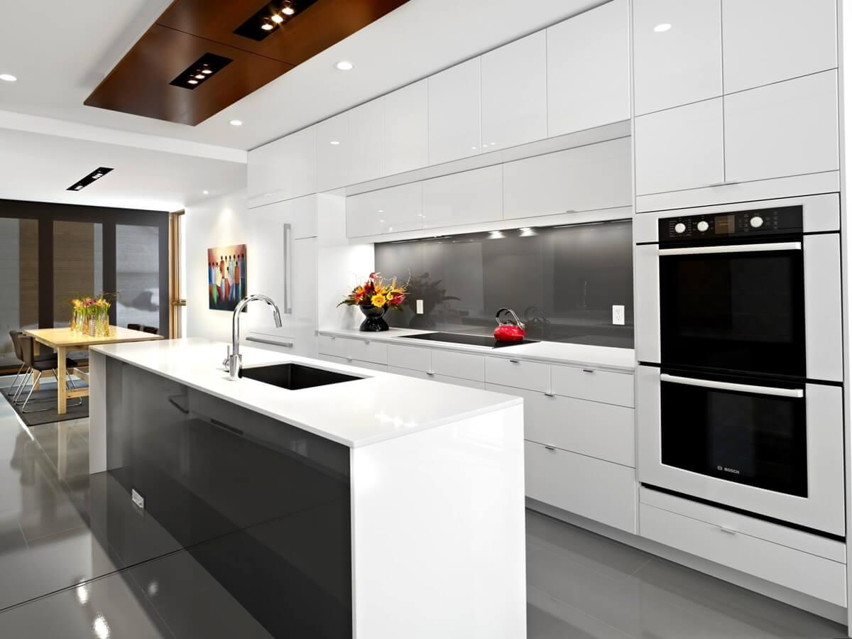Отделка потолка на кухне в стиле хай-тек - фото 2