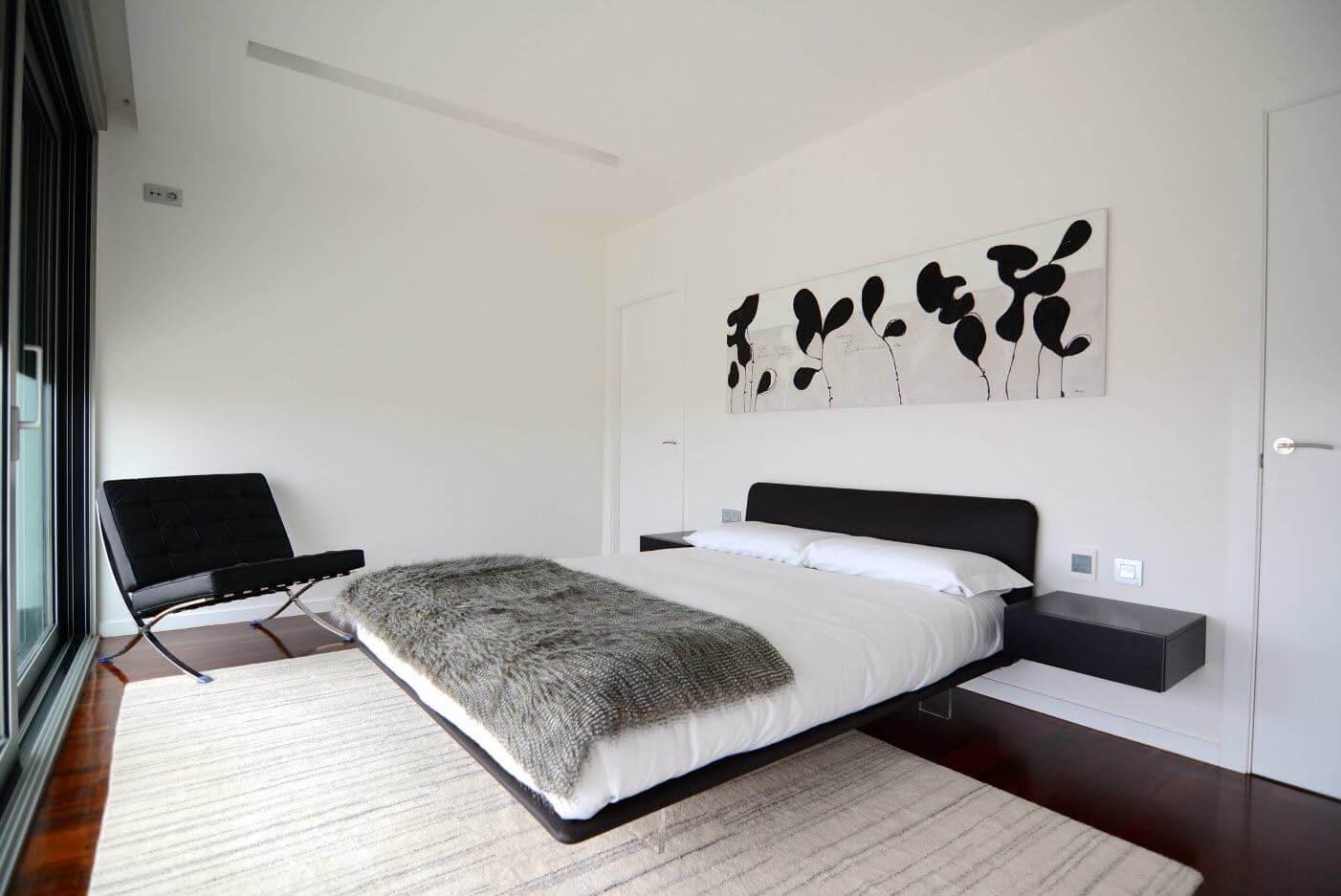 Спальня в стиле хай-тек - отделка стен (3)