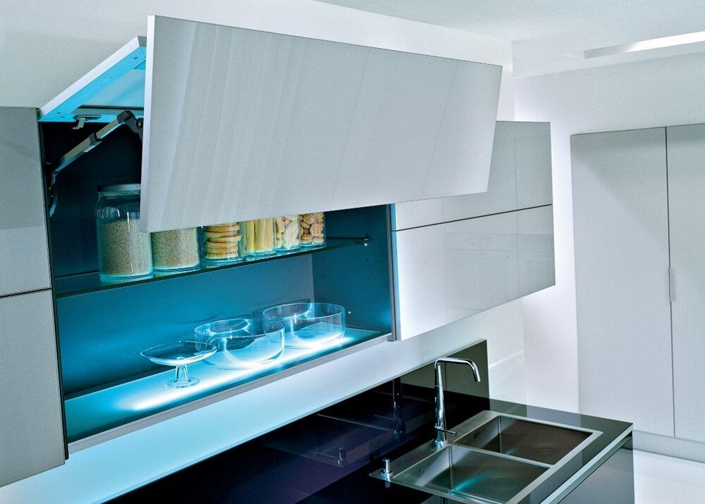 Внутренняя подстветка ящиков кухни в стиле хай-тек
