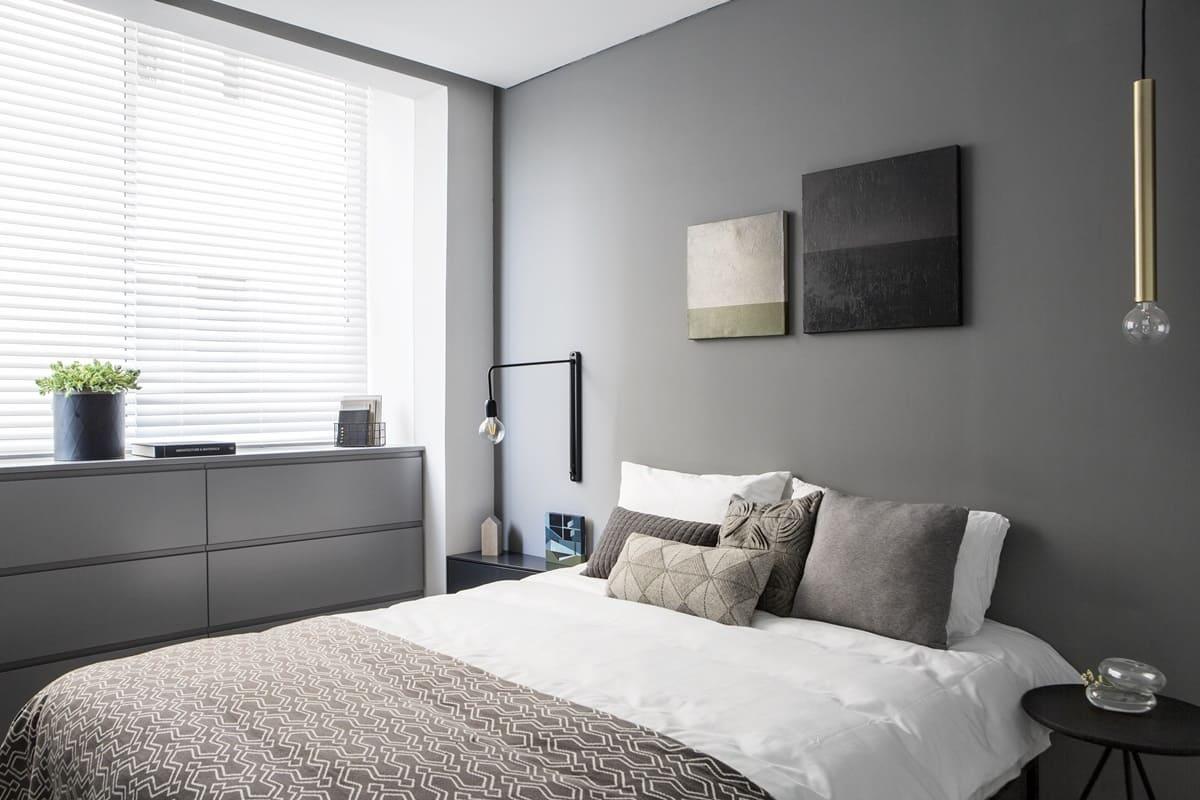 Декор и аксессуары для спальни в стиле минимализм