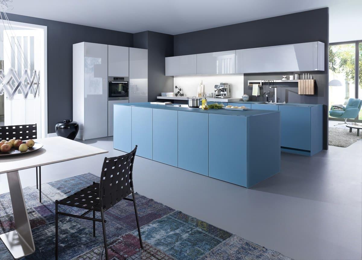 Мебель и бытовая техника для кухни в стиле минимализм