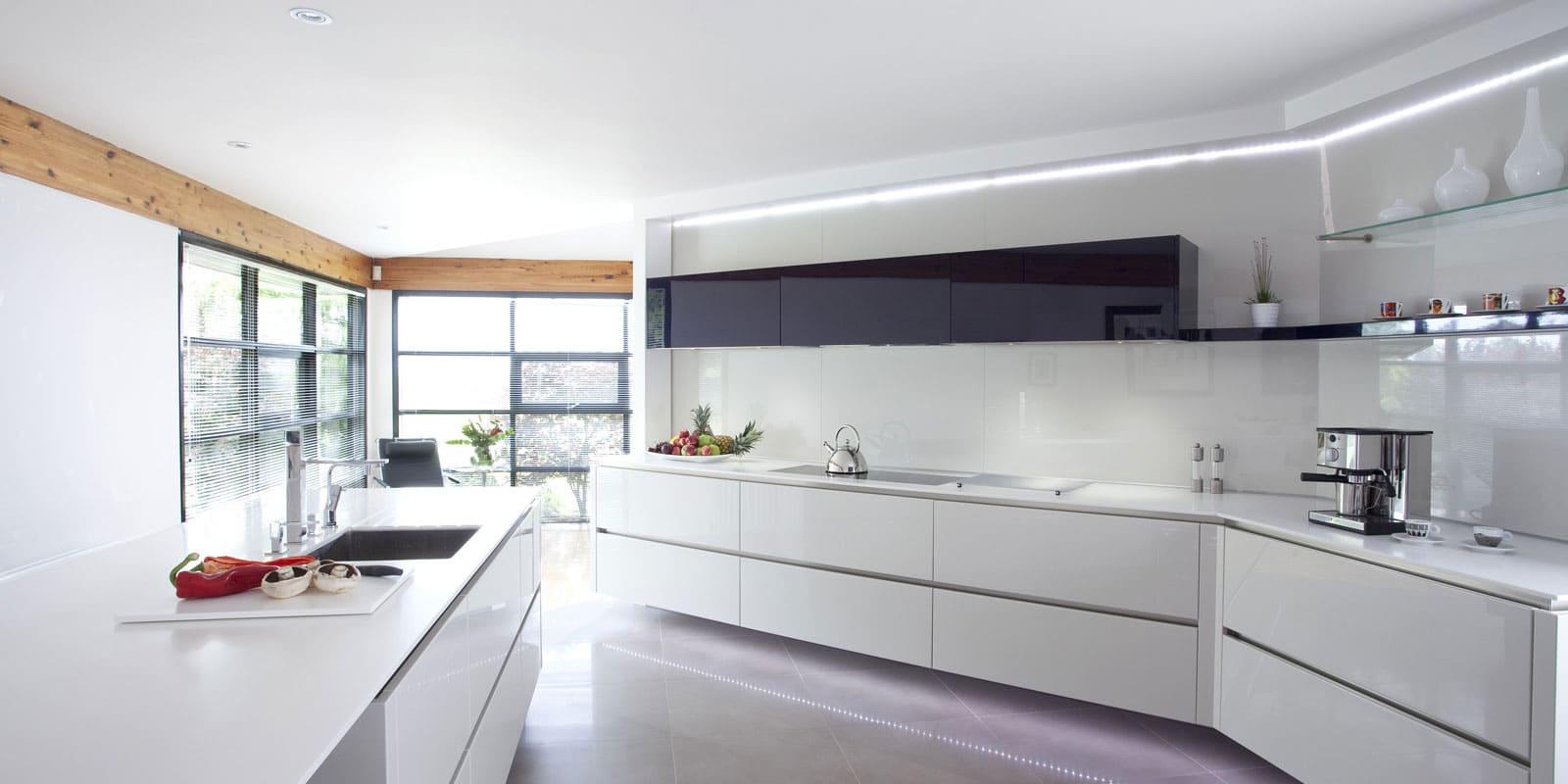 Потолок кухни в стиле минимализм - фото (2)